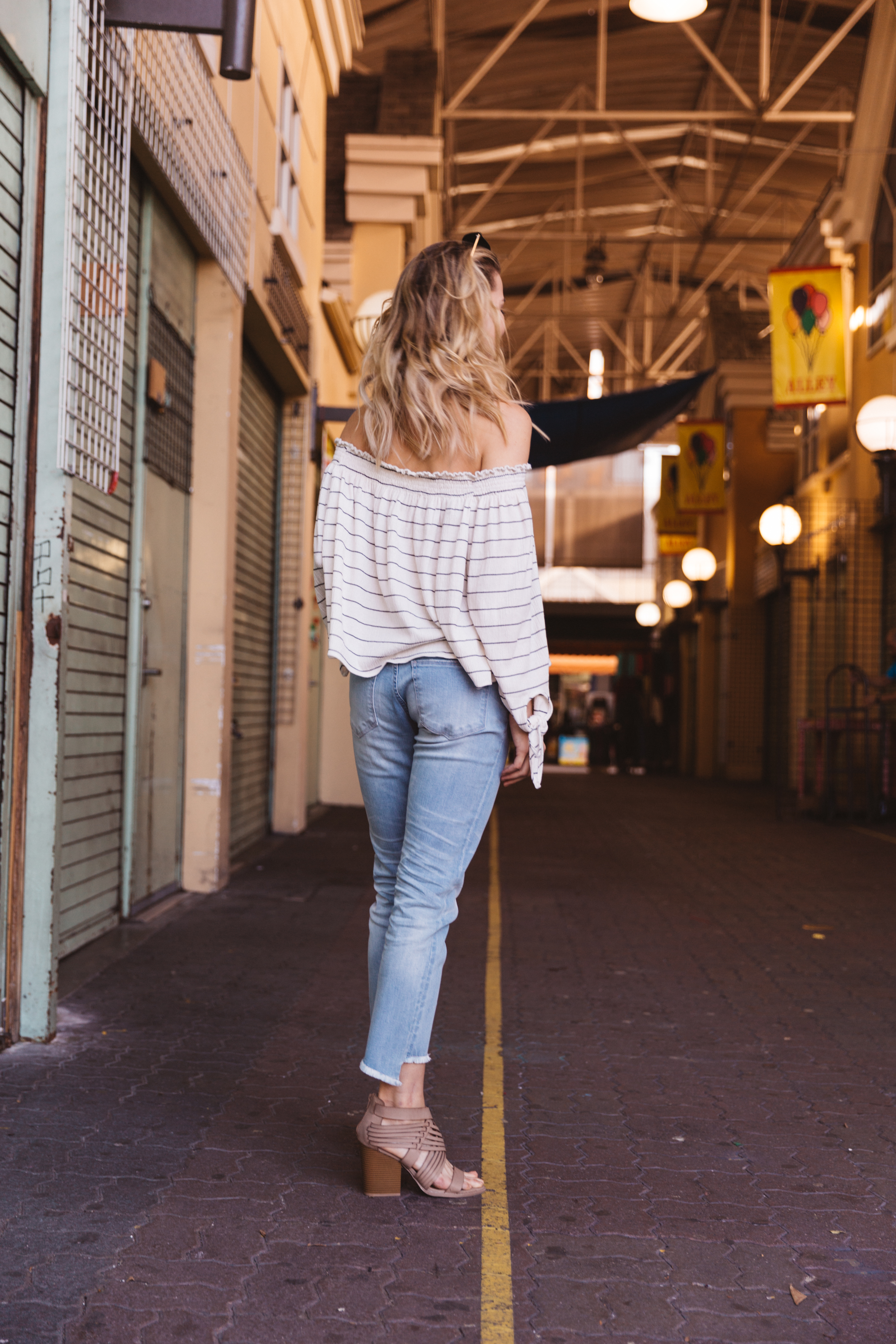 Off-the-shoulder Daytrip top with skinny jeans