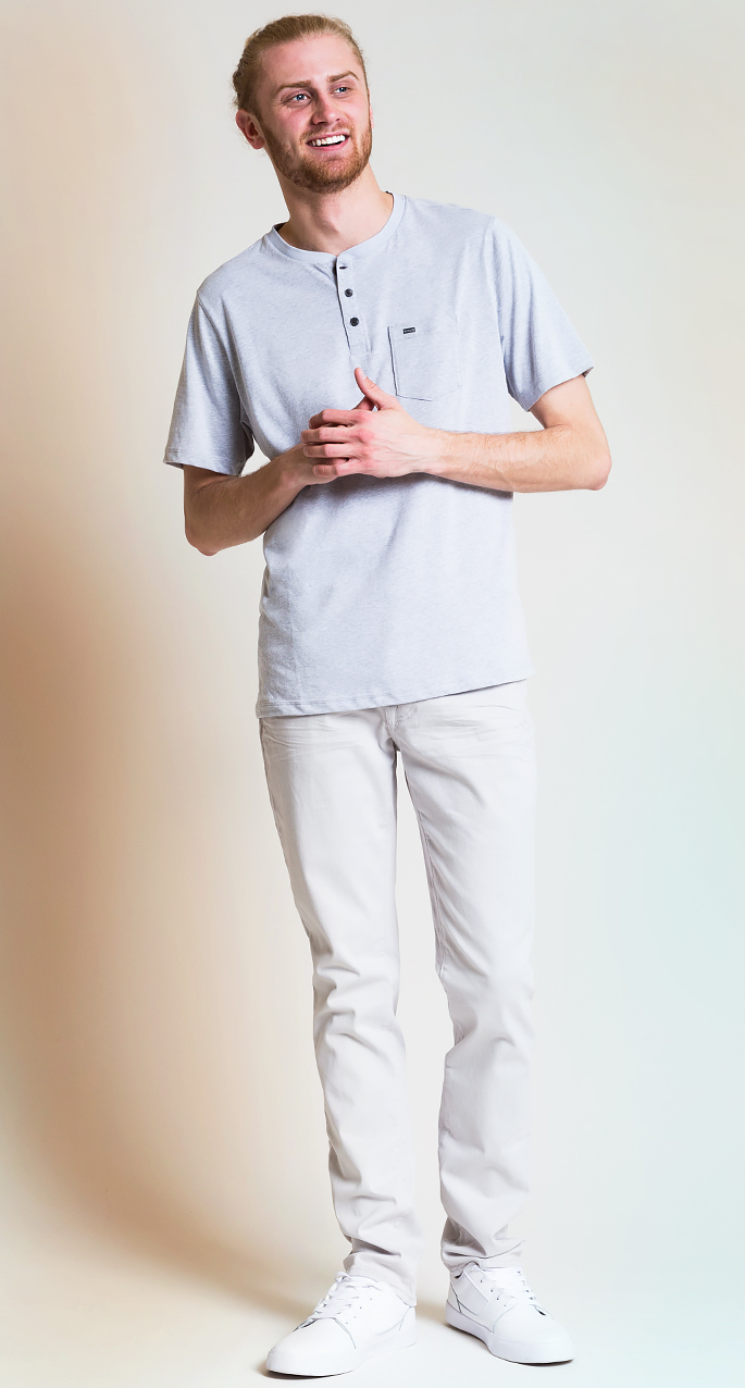 Men's style trends. All white monochromatic outfit for men.