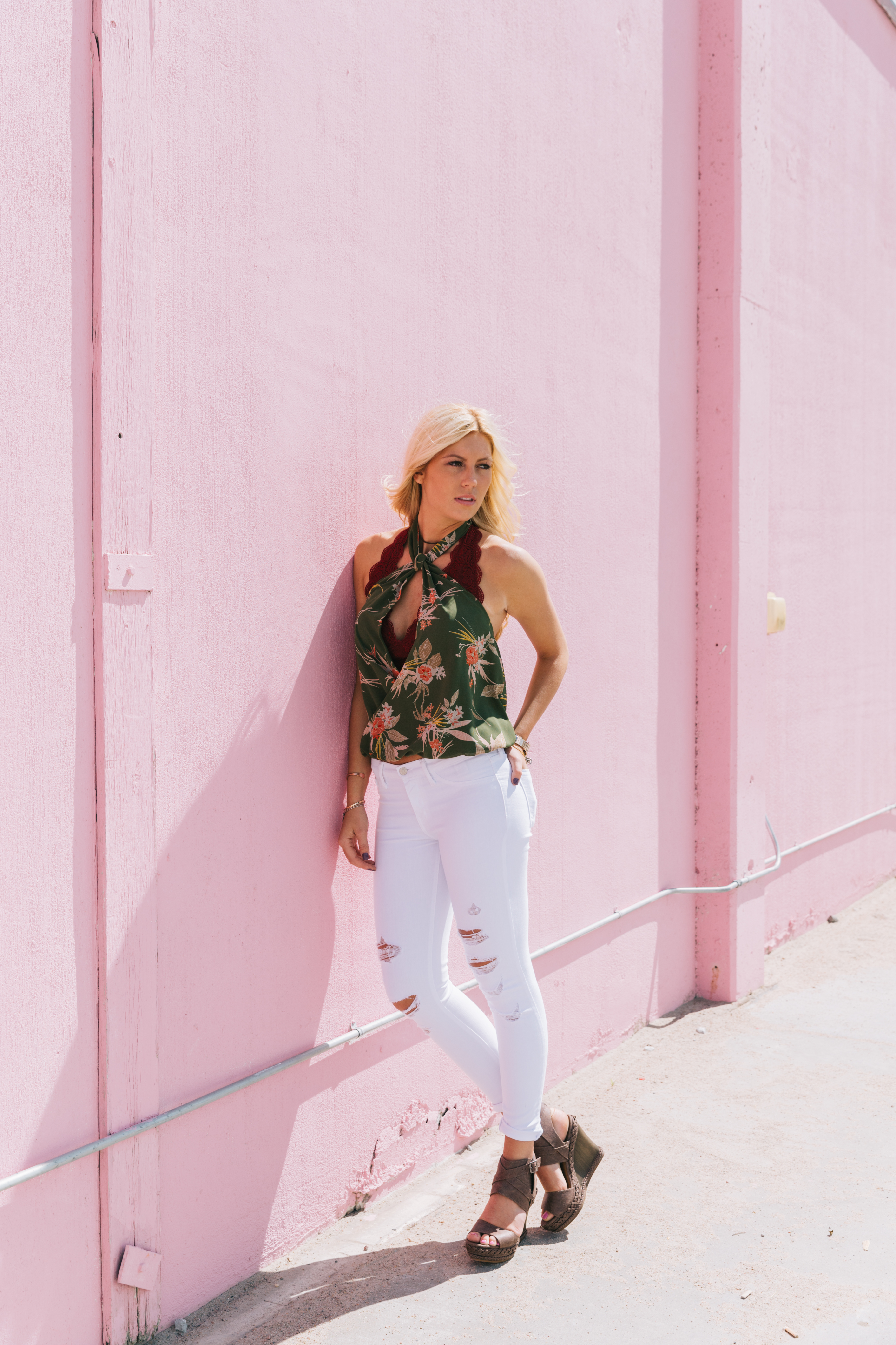 Destructed White Skinny Jeans for Summer