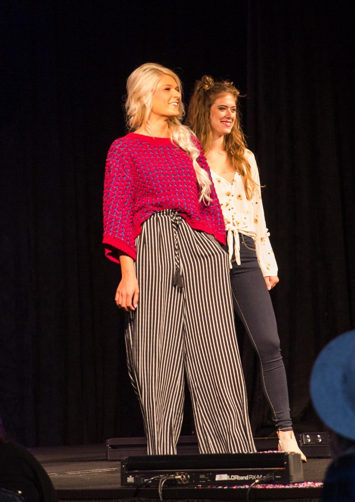 Women's Fall Fashion Oversized Sweaters and Fashion Pants