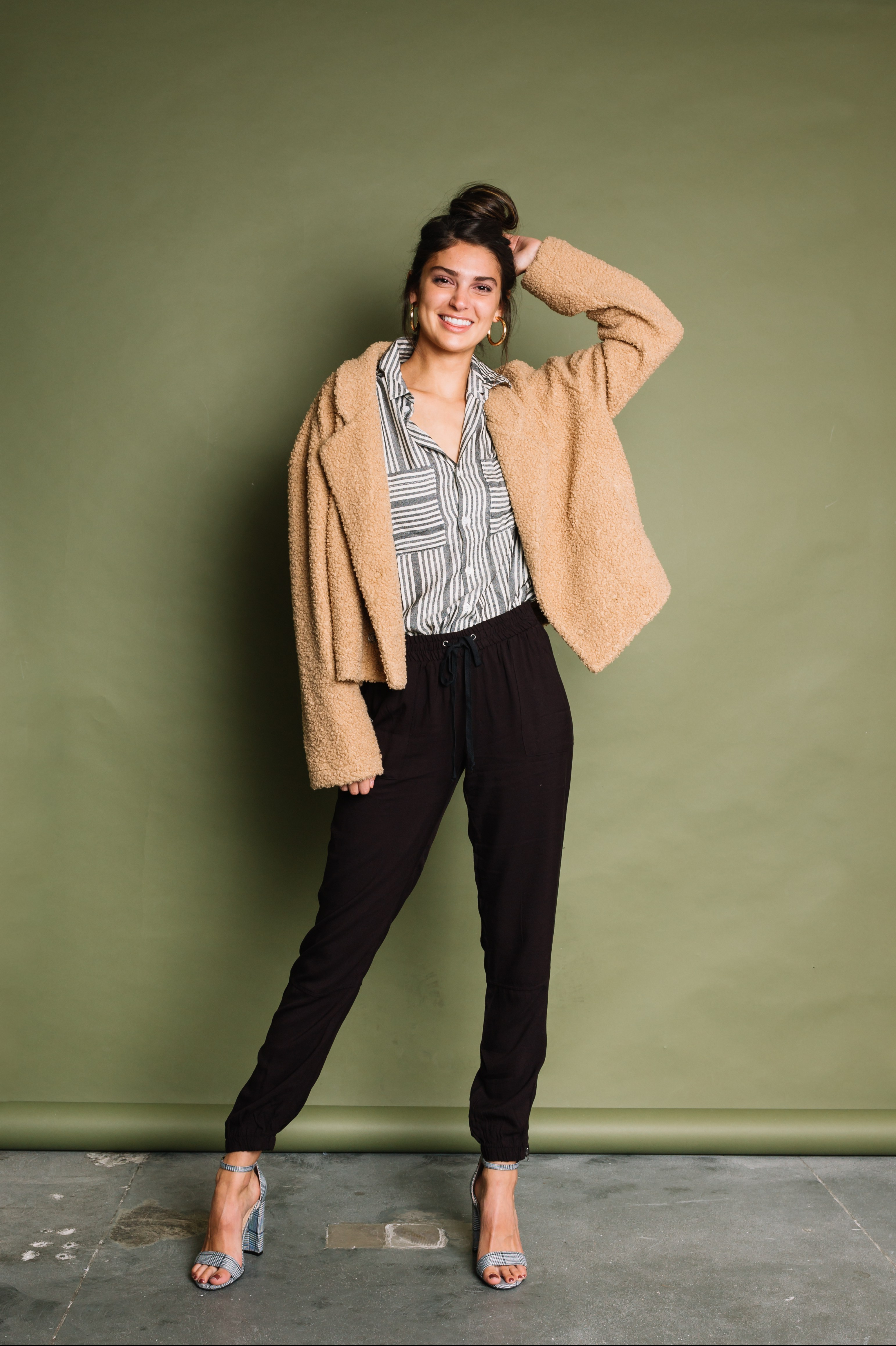 Women's Smart Casual Outfit - Trousers and button-up Shirt from Buckle