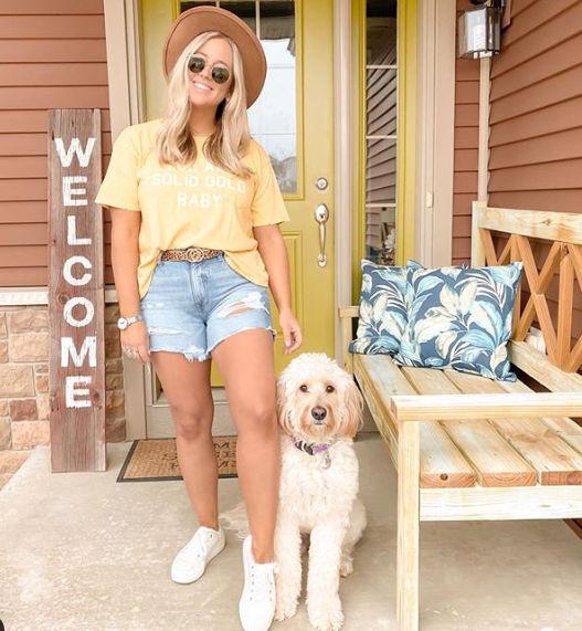 we're cutting our favorite fits short and adding denim shorts to the rotation. pairing with a tee makes for the ultimate throw on and go outfit.
